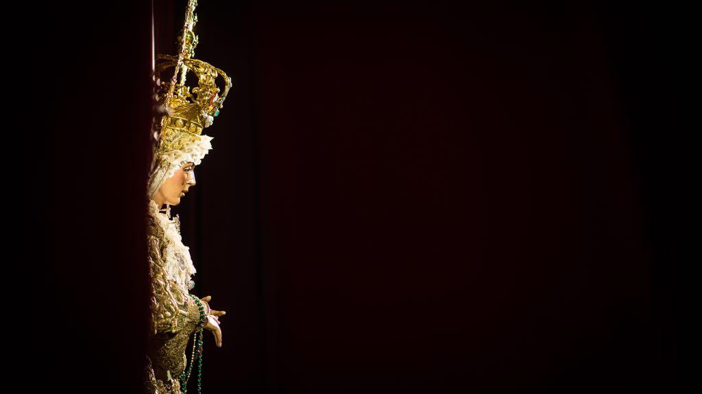 La Virgen de la Esperanza en besamos