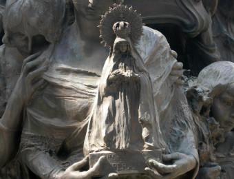 Virgen de la Esperanza del monumento funerario de Joselito