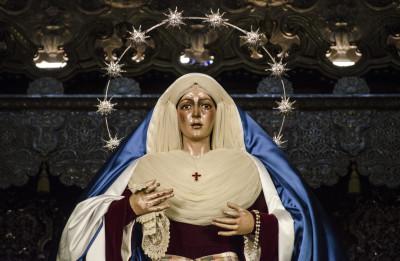 La Virgen de la Esperanza vestida de hebrea