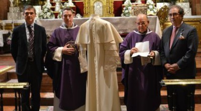 Donación ropa pontificia Pablo VI 2018_5